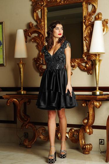 Fekete Artista alkalmi harang ruha szatén anyagból szivacsos mellrész flitteres díszítés