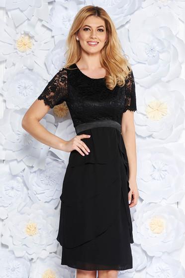 Fekete alkalmi midi ruha csipkés anyag fodros belső béléssel fátyol anyag