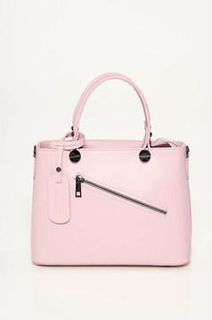 Rózsaszínű irodai táska két, közepes hosszúságú fül