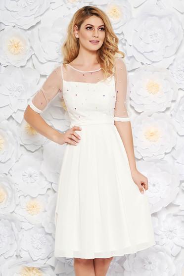 Fehér alkalmi midi harang ruha fátyol belső béléssel gyöngyös díszítés