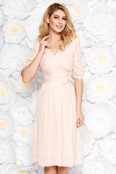 Világos rózsaszín alkalmi midi harang ruha finom tapintású anyag belső béléssel övvel ellátva