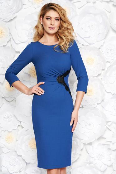 Kék elegáns midi ceruza ruha finom tapintású anyag belső béléssel csipke díszítéssel