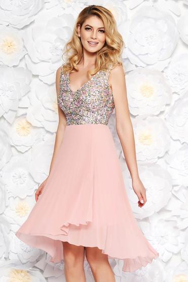 Rózsaszínű alkalmi harang ruha fátyol és flitter belső béléssel rakott v-dekoltázzsal