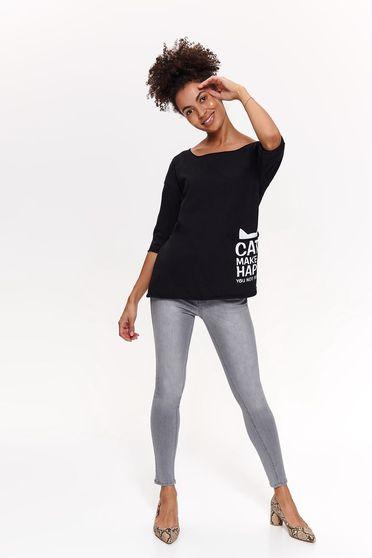 22bf14e40a Fekete Top Secret casual bő szabású póló pamutból készült feliratos