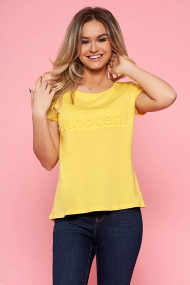 717611a6f3 Sárga Top Secret casual bő szabású póló pamutból készült rövid ujjakkal