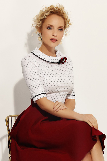 06fa791288 Fehér Fofy irodai női ing szűk szabás enyhén elasztikus pamut bross  kiegészítővel
