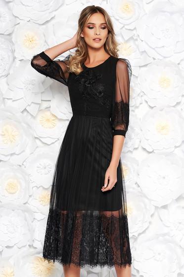 Fekete alkalmi midi harang ruha tüll hímzett betétekkel csipke díszítéssel gyöngyös díszítés