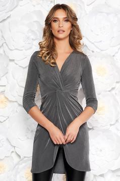 Szürke StarShinerS casual hosszú női blúz szűk szabás vékony anyag fémes jelleg v-dekoltázzsal