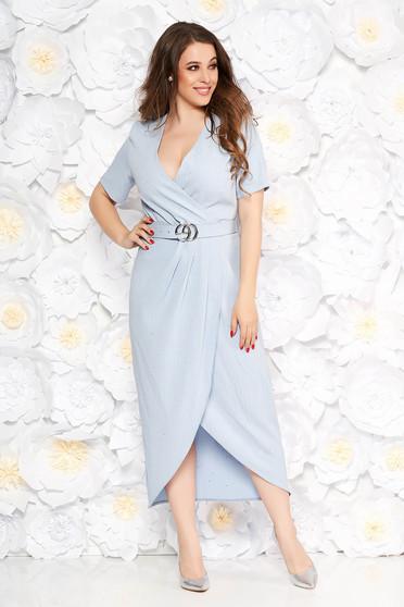 a59a64841a Világoskék elegáns ruha enyhén rugalmas anyag flitteres díszítés öv típusú  kiegészítővel szűk szabás