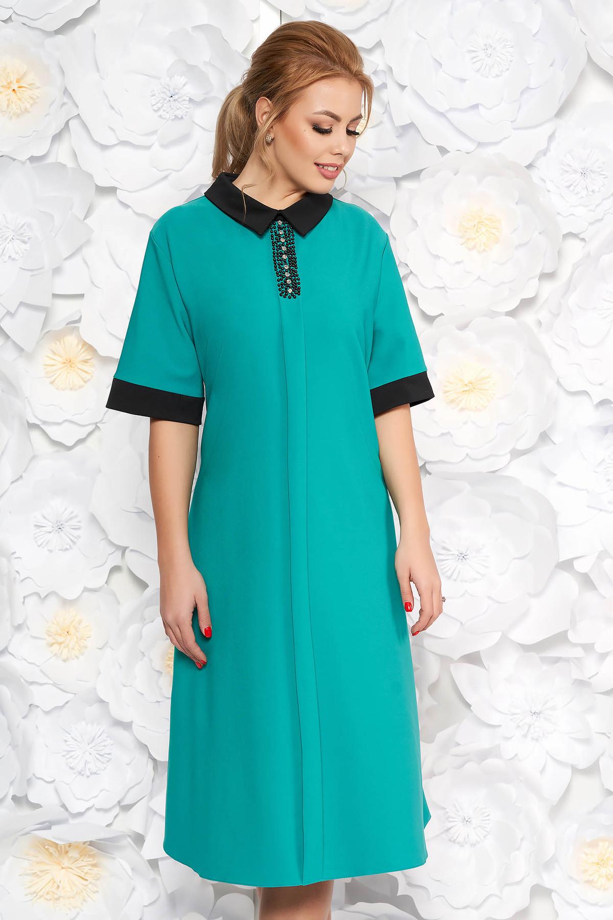 85c9cf6120 Zöld elegáns midi bő szabású ruha finom tapintású anyag zsebes gyöngyös  díszítés
