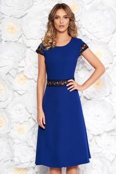 Kék elegáns midi harang ruha enyhén elasztikus szövet hímzett betétekkel