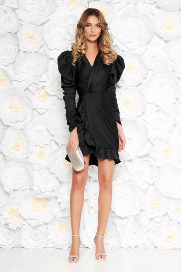 Fekete Ana Radu ruha szűk szabás szatén anyagból v-dekoltázzsal fodrok a ruha alján