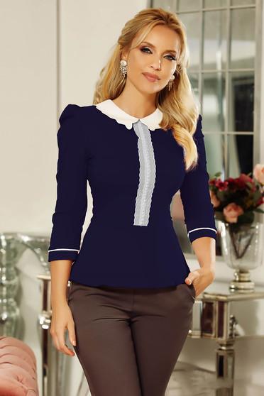 Szűk szabású sötétkék Fofy irodai női ing enyhén elasztikus pamutból csipke díszítéssel gyöngy díszítéssel