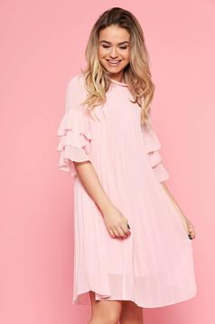 Bő szabású casual világos rózsaszín SunShine ruha fátyol rakott belső béléssel fodrozott ujjakkal