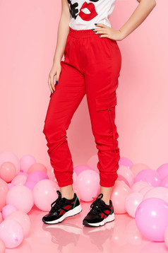 Derékban rugalmas zsebes normál derekú piros SunShine nadrág