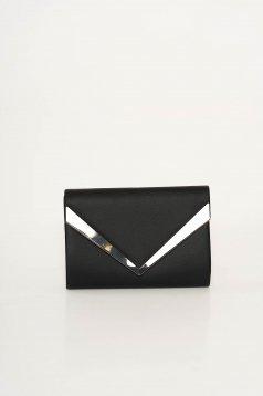 Fekete táska műbőr hosszú lánc típusú pánt valamint rövid fémes kiegészítő