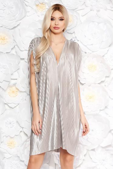 Ezüst alkalmi bő szabású rakott ruha nem rugalmas anyagból fémes jelleggel