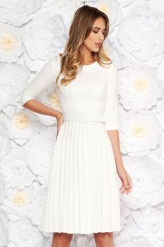 Fehér Fofy elegáns rakott harang ruha övvel ellátva enyhén elasztikus szövet