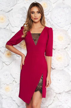 Fukszia LaDonna elegáns ruha szűk szabás v-dekoltázzsal csipke díszítéssel