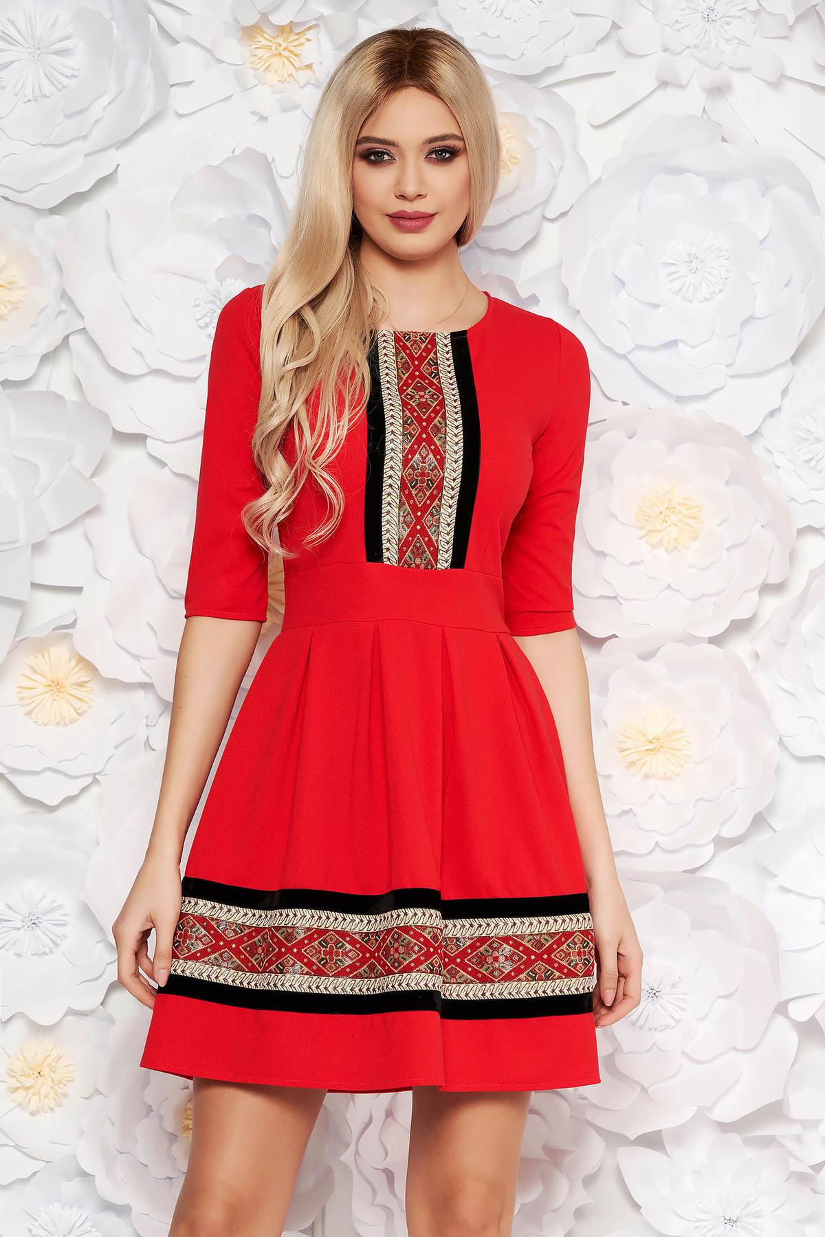 f57c7b11b1 Piros elegáns midi harang ruha rugalmas anyag háromnegyedes ujjú