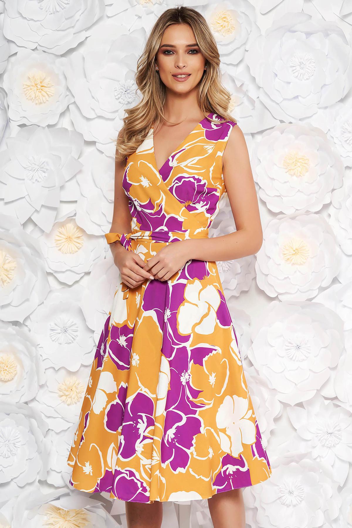 5cbe741096 Mustar hétköznapi harang ruha v-dekoltázzsal finom tapintású anyag  virágmintás díszítéssel